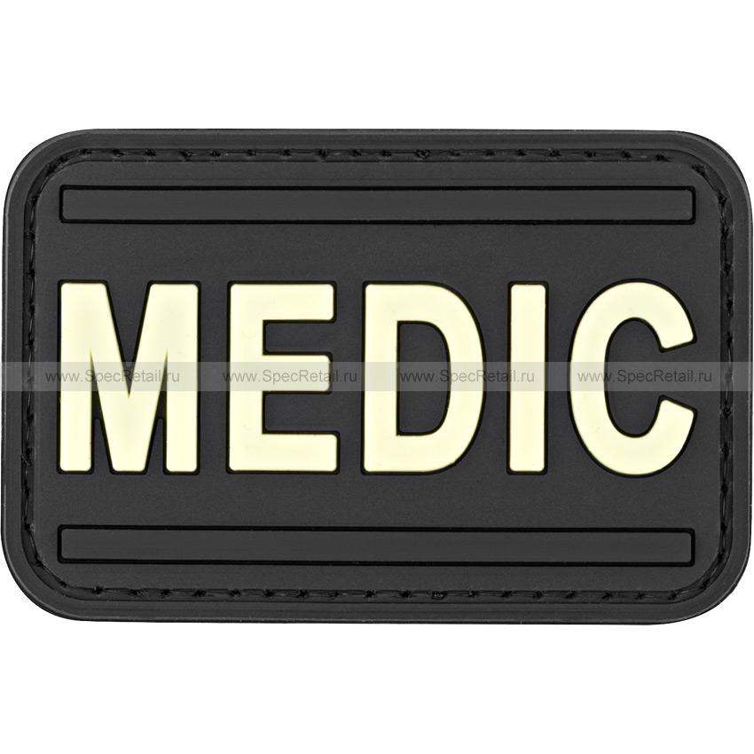 """Шеврон ПВХ """"Medic"""", черный, 6.9x4.5 см"""